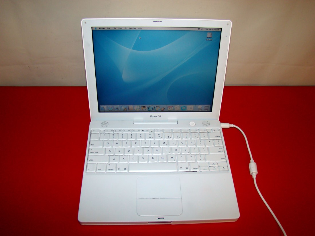 apple ibook g4 laptops m9426ll a 256mb 30gb a1054. Black Bedroom Furniture Sets. Home Design Ideas